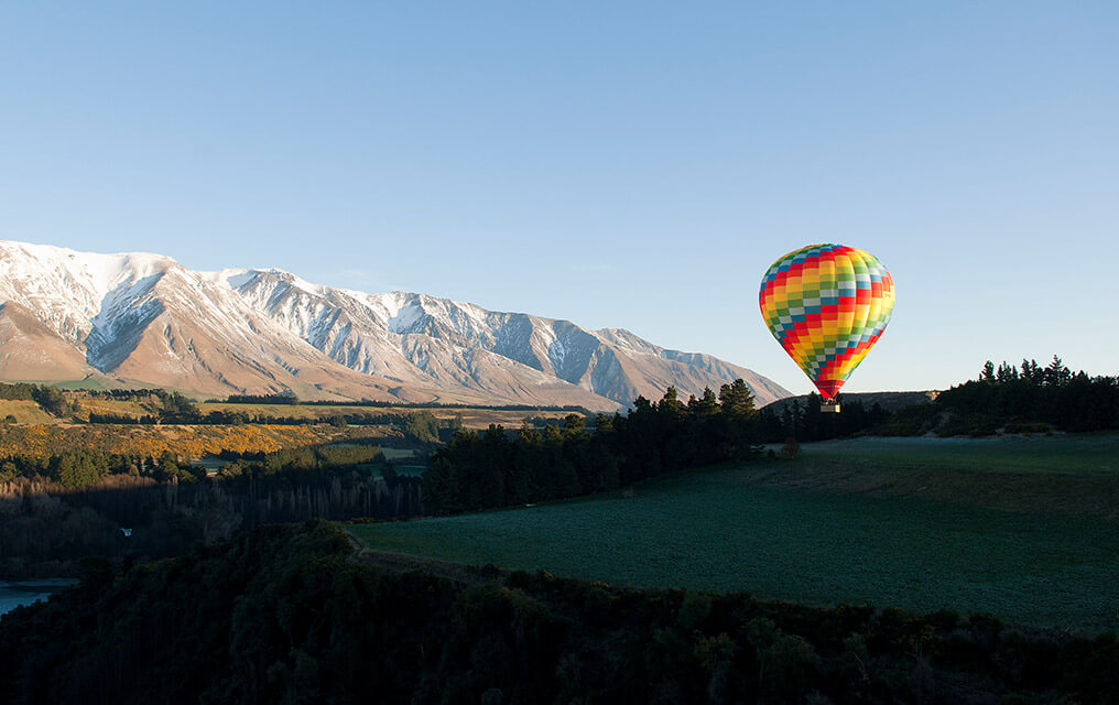 Beautify picture of a Balloon above the Canterbury region.